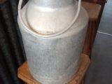Pot à lait de ferme en zinc