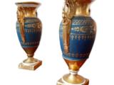 Lot de deux vases balustre